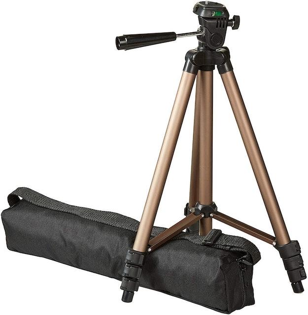 Amazon Basics 127cm Lightweight Tripod with Bag 1