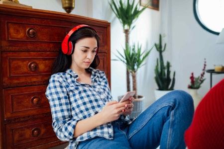 Paperback, Hardback, eReader or Audiobook: Which Format Do You Prefer?