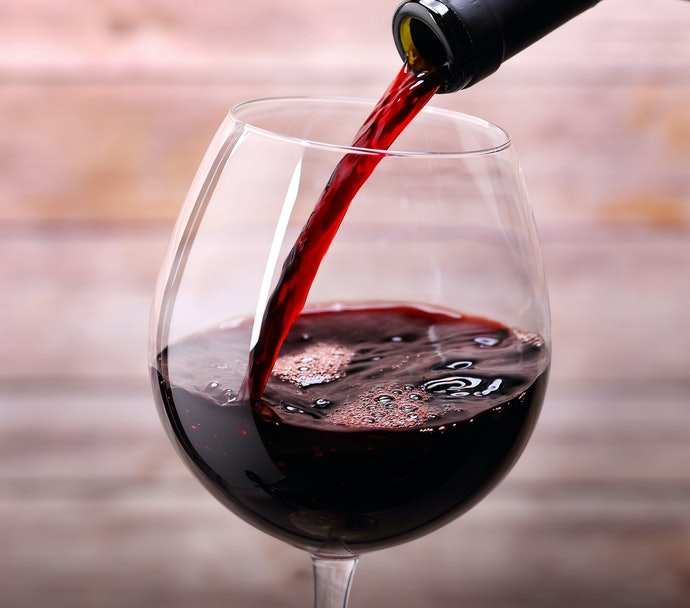A Fan of Rich Red Wine? Opt for a Wide Glass with a Large Surface Area