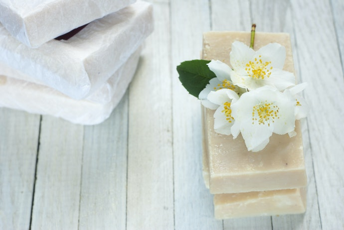 Various Essential Oils and Plant Oils Add More Than Just Fragrance – Choose One Based on Your Desired Results