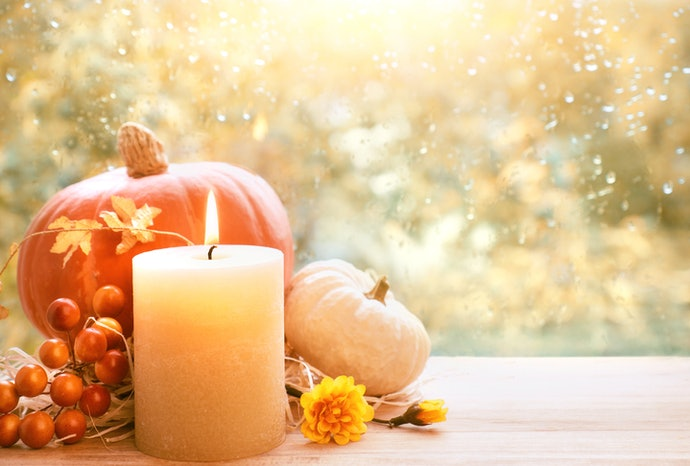 Pick an Autumnal Scent That's Suitable for Your Room