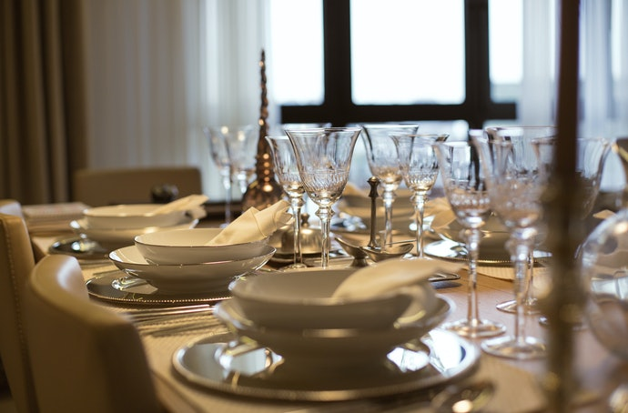 Choose Lead Crystal Glass for Special Occasions, and Consider Lead-Free for an Eco-Friendly Option
