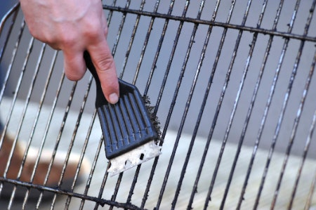 Manual Cleaning Tools Get to Work Without Chemicals