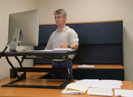 Manual Desks Are Quieter and More Budget-Friendly
