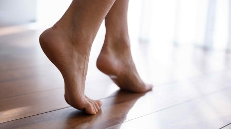 Urea Helps to Rebuild Skin on the Heels and Lactic, Salicylic and Benzoic Acids Exfoliate and Remove Dead Skin Cells