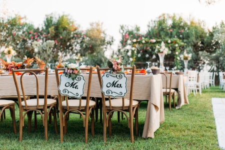 Choose Materials in Keeping With the Theme of Your Wedding