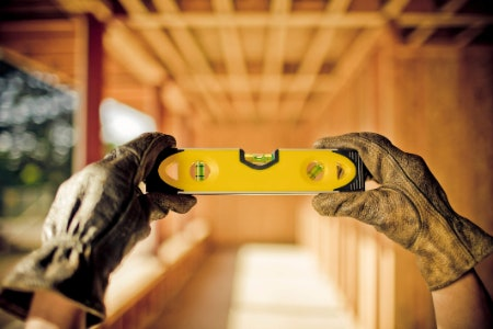How Does a Spirit Level Work and How Should You Use One?