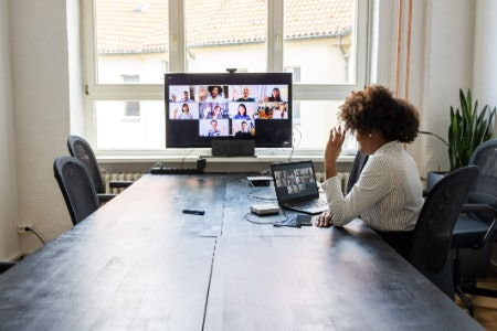 Webinar Features Connect You to a Large Number of People