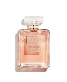 Top 10 Best Christmas Presents for Girlfriends in the UK 2020 (Chanel, Neal's Yard and More) 1