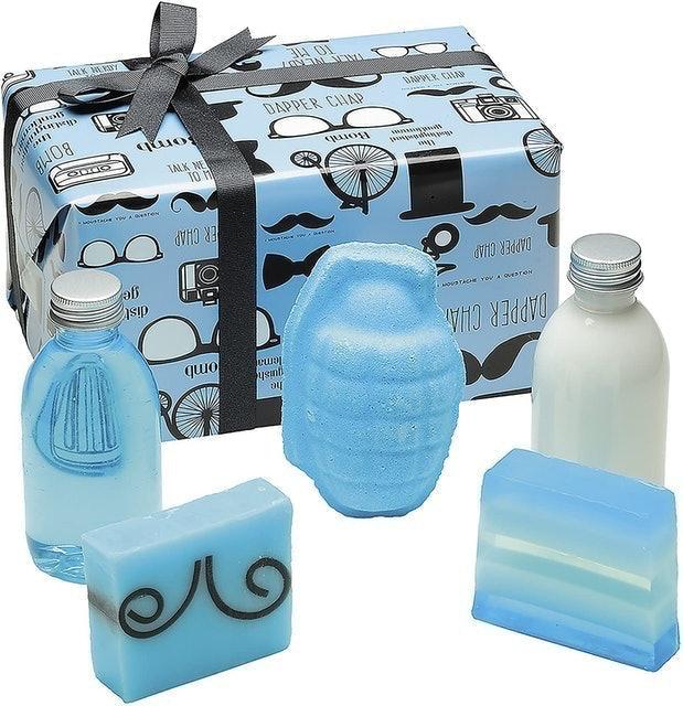 Bomb Cosmetics The Distinguished Gentleman Handmade Gift Pack 1