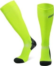 Top 10 Best Compression Socks for Running in the UK 2021 (2XU, Cep and More) 4