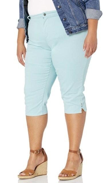 Gloria Vanderbilt  Women's Amanda Capri Jeans 1